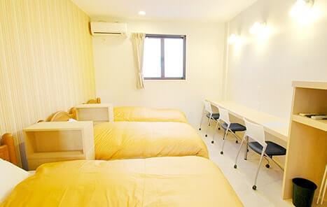 レギュラー/トリプルルームの客室・ベッド
